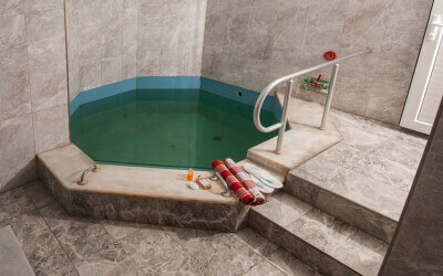 What you need to know about hot bath